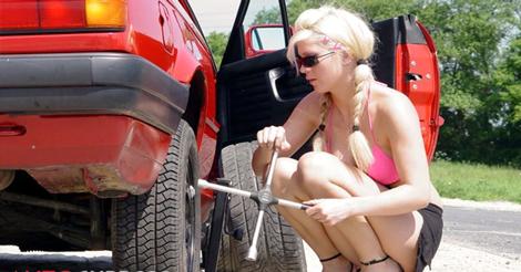 Các bước đơn giản thay lốp xe cho xế hộp của bạn
